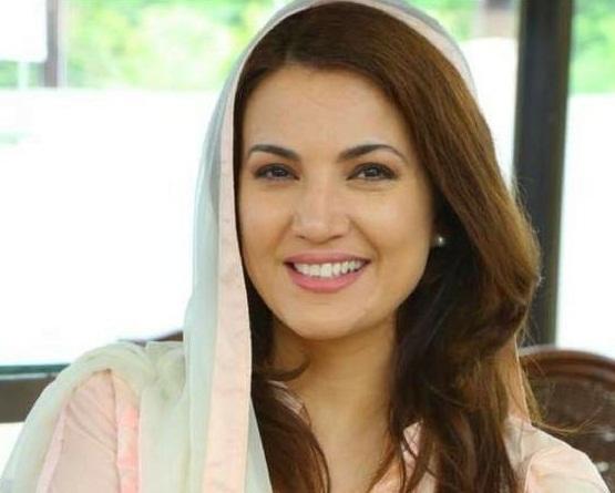 ریحام خان جس کی بیوی رہیں اس کی عیب جوئی کی اور جس کی بیوی نہیں رہیں اس کے گن گائے، مبصر