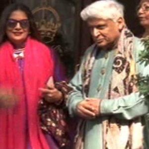 معروف شاعر و مصنف جاوید اختر اور نامور اداکارہ شبانہ اعظمی