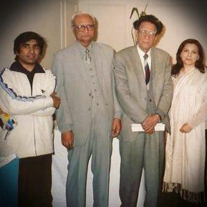 کچھ عرصہ قبل ایک تقریب میں معروف ادبی شخصیت ڈاکٹر سلیم اختر کے ہمراہ شاعر مشکور حسین یاد ، ڈاکٹر خالدہ انور و دیگر کا گروپ