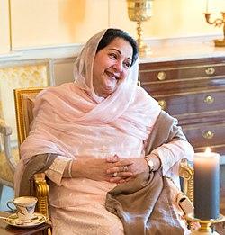 پاکستان کی تین بار خاتون اول بننے والی بیگم کلثوم نواز
