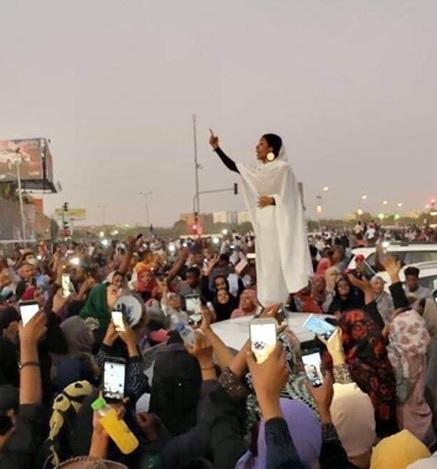 سوڈان کے لیے امید کی علامت 22سالہ صلاح