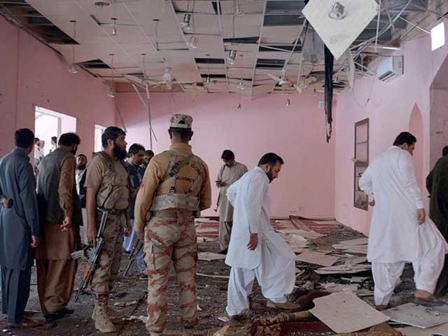 کوئٹہ پشتون آباد کی رحمانیہ مسجد میں دھماکے کے نتیجے میں پیش امام سمیت 3افراد جاں بحق جب کہ 26 زخمی ہوگئے