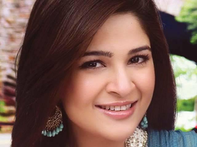 معروف فنکاہ عائشہ عمر