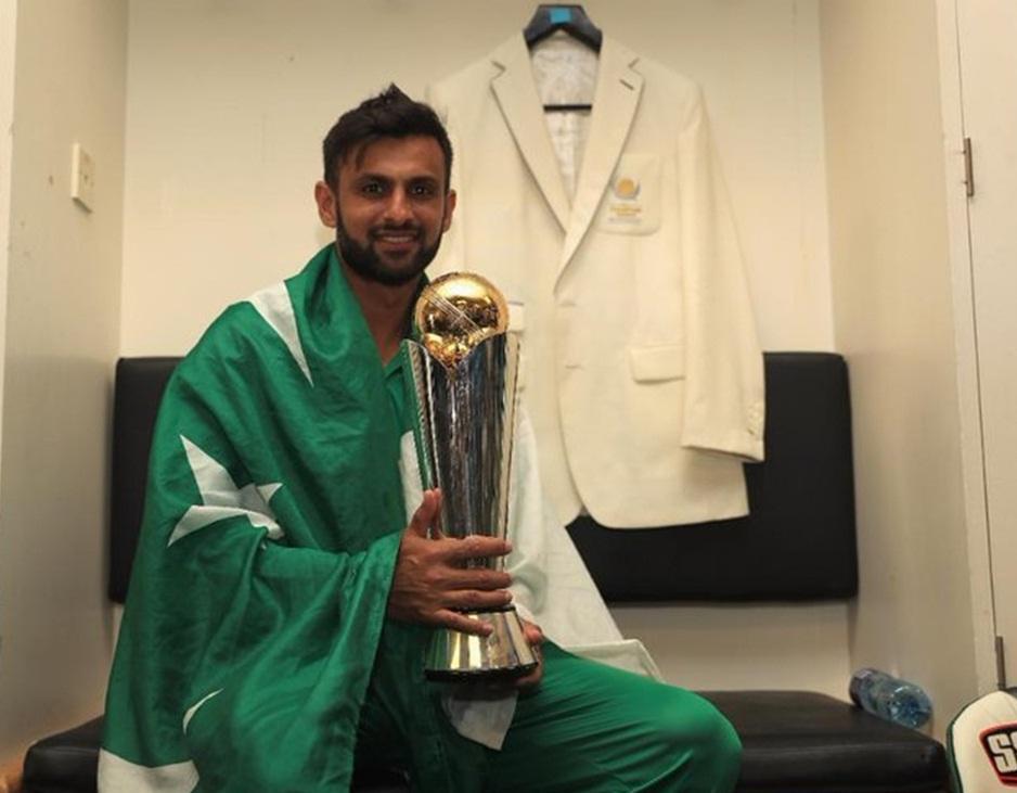 پاکستان کرکٹ ٹیم کے سابق کپتان آل رائونڈر شعیب ملک