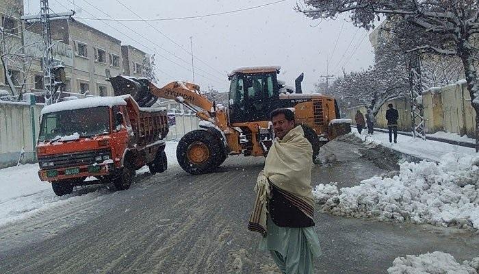 بلوچستان کے بالائی علاقوں میں شدید برف باری، صوبے بھر میں شدید سردی کے باعث اسنو ایمرجنسی