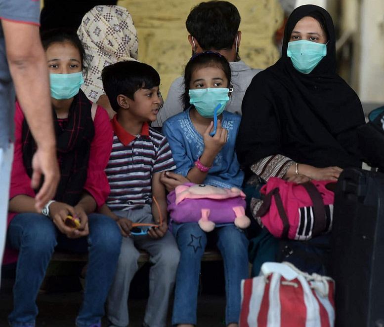 پاکستان میں  کورونا وائرس مریضوں کی تعداد  13 ہزار 106 ہو گئی۔ 2936 مریض صحت یاب ہوگئے  اور جاں بحق ہونے والوں کی تعداد 272 ہوگئی
