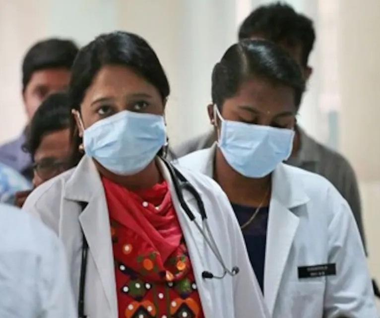 وائرس کبھی چند دن اور کبھی چند ہفتے تک انسانی جسم میں رہ سکتا ہے اس کا دارومدار مزاحمتی نظام پر ہے کہ وہ کتنا مضبوط ہے