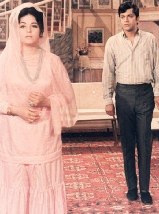 صبیحہ خانم پاکستان فلم انڈسٹری کی پہلی سپر اسٹار تھیں جب کہ پہلی پاکستانی گولڈن جوبلی فلم کی ہیروئن ہونے کا اعزاز بھی انہی کو حاصل ہوا