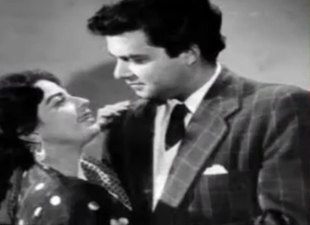 صبیحہ خانم اداکار سنتوش کمار کی شریک سفر تھیں، وہ پاکستان فلم انڈسٹری کی پہلی سپر اسٹار تھیں پہلی پاکستانی گولڈن جوبلی فلم کی ہیروئن ہونے کا اعزاز بھی انہی کو حاصل ہوا۔ بہترین خدمات کے عوض 1987 میں تمغہ حسن کارکردگی سے نوازا گیا