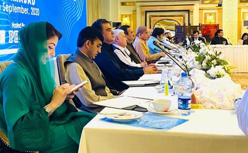 آل پارٹیز کانفرنس میں نواز شریف کی فوج کے خلاف تقریر پر بھارت میں جشن منایا جارہا ہے، وزیرخارجہ شاہ محمود قریشی