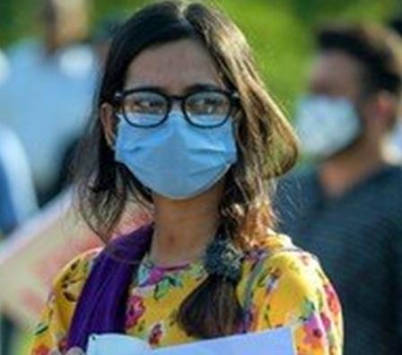 معاون خصوصی صحت ڈاکٹر فیصل سلطان کے مطابق گزشتہ 24 گھنٹوں میں کورونا کے مثبت کیسز کی شرح 7 فیصد سے زائد دیکھی گئی ہے