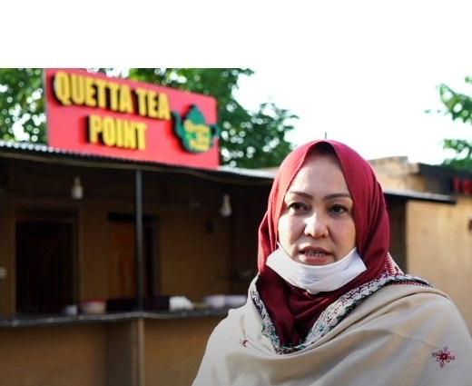 اسلام آباد میں کوئٹہ چائے کا ڈھابہ کھولنے والی پہلی بلوچ خاتون صبیحہ