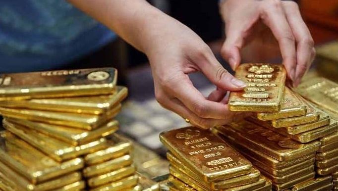 عالمی مارکیٹ میں سونا سستا ہونے کے باوجود ملک میں سونے کی فی تولہ اور 10 گرام قیمت بڑھ گئی