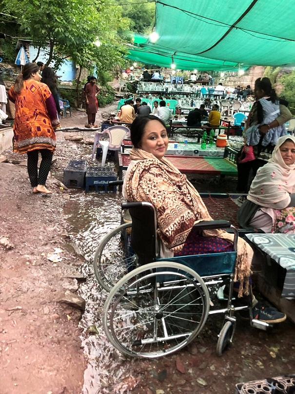 ویل چیئر پر سیاحت تھوڑی مشکل ضرور ہے پر ناممکن نہیں، مریم حنا طارق