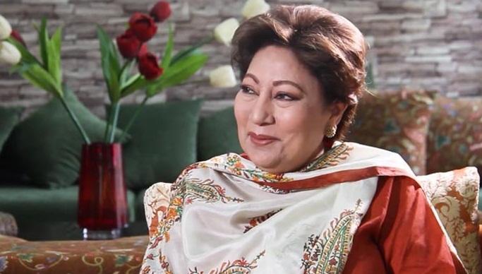 کنول نصیر نے26 نومبر 1964 کو 17 برس کی عمر میں لاہور سے باقاعدہ پاکستان ٹیلی وژن کی نشریات کا آغاز کیا ،وہ ریڈیو پاکستان کی لی جنڈ موہنی حمید کی صاحبزادی ہیں