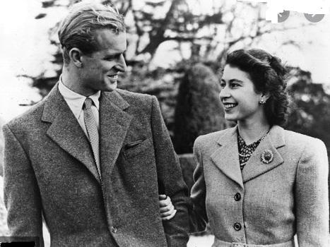 بکنگھم پیلس کی جانب سے 'عزت ماب ملکہ برطانیہ کے حوالے سے انتہائی دکھ کے ساتھ ان کے شوہر عزت ماب پرنس فلپ، ڈیوک آف ایڈنبرا کی موت کا اعلان کیاگیا